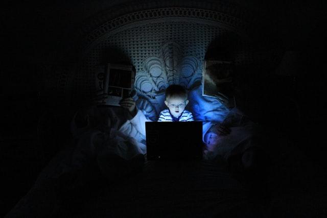 Išmokite apsaugoti vaikus internete